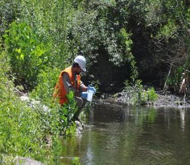 Cómo se realiza el control del agua del Río Vis Vis