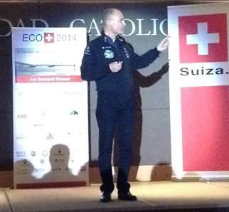 Solar Impulse empieza su histórico vuelo alrededor del mundo